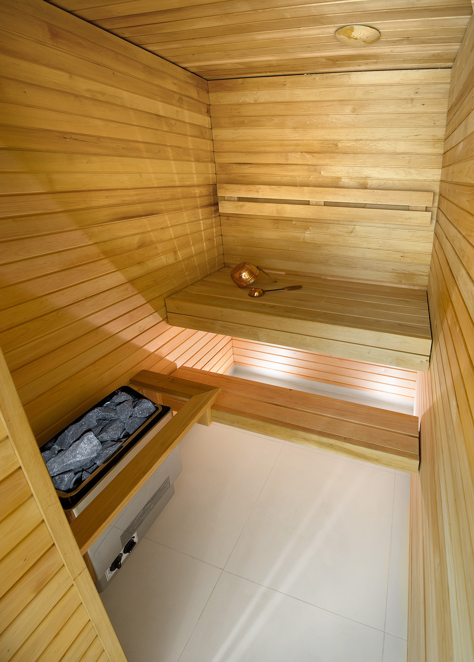Suite with sauna_sauna.jpg